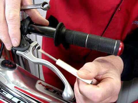 Garaż Trial: Działanie dźwigni sprzęgła i jak ją ustawić